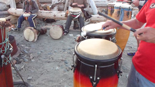 drum jam at the spit comox valley drumming. Black Bedroom Furniture Sets. Home Design Ideas